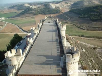 Castillo de Peñafiel - Viaje enológica a Ribera del Duero; senderistas madrid
